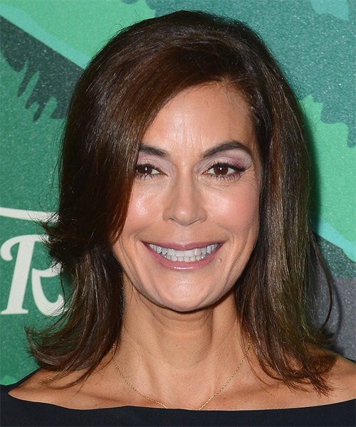 Teri Hatcher Medium Straight Casual Hairstyle - Medium Brunette Hair Color