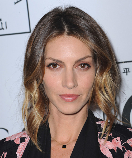 Dawn Olivieri Medium Wavy Center-Parted Hairstyle