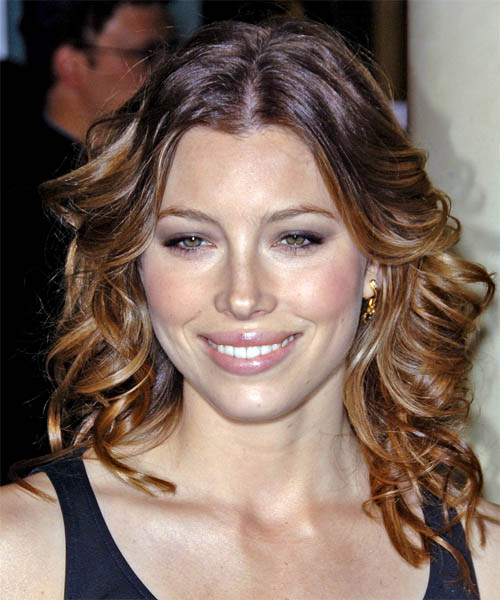 Jessica Biel Long Wavy Casual Hairstyle