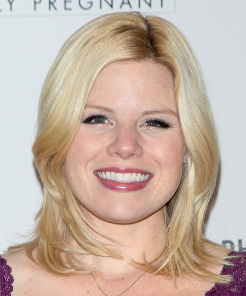 Megan Hilty Medium Straight Casual  - Light Blonde (Honey)