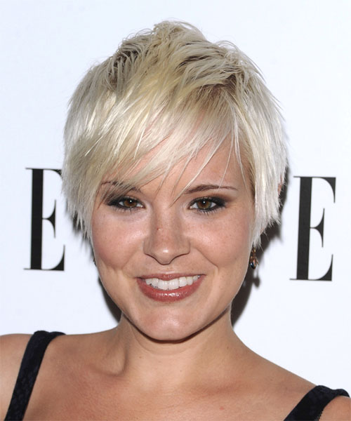 Brea looked fabulous with this short, sassy 'do. Textured layers were cut
