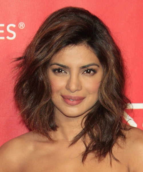 Priyanka Chopra Medium Wavy Casual Hairstyle - Medium Brunette Hair Color