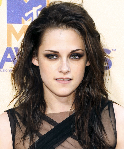 Kristen Stewart Long Wavy Casual Hairstyle