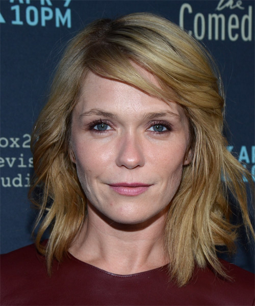 Katie Aselton Medium Wavy Casual Hairstyle with Side Swept Bangs - Medium Blonde Hair Color