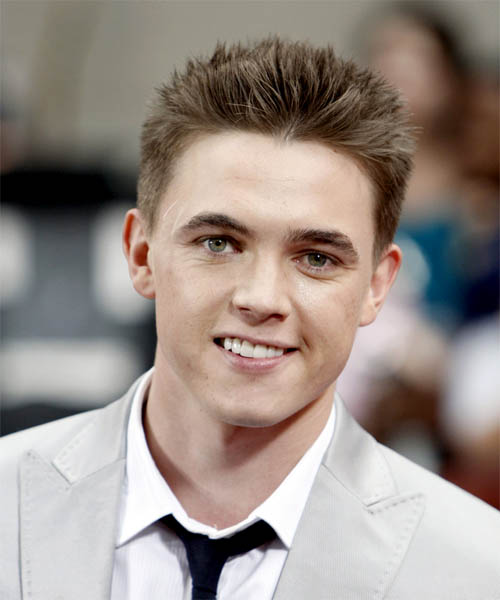 Jesse McCartney - Casual Short Straight Hairstyle