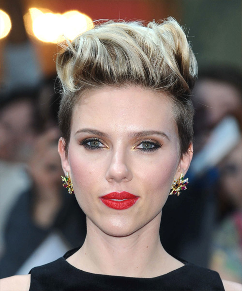 Scarlett Johansson Short Straight Casual Hairstyle - Medium Brunette ...