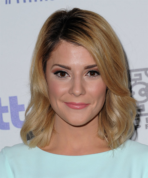 Grace Helbig Medium Wavy Casual Hairstyle - Dark Blonde (Golden) Hair Color