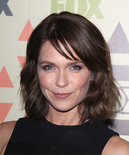 Katie Aselton Medium Wavy Casual Hairstyle - Medium Brunette Hair Color
