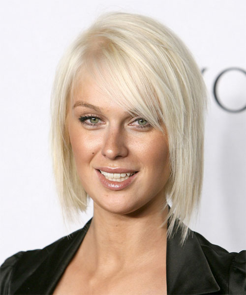 CariDee English - Casual Medium Straight Hairstyle