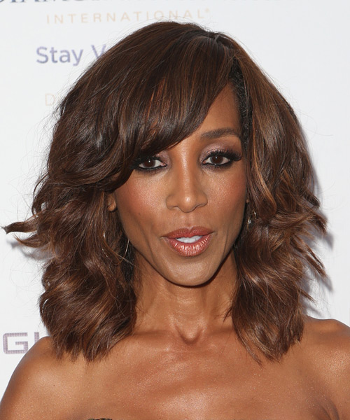 Shaun Robinson Medium Wavy Casual  with Side Swept Bangs - Medium Brunette