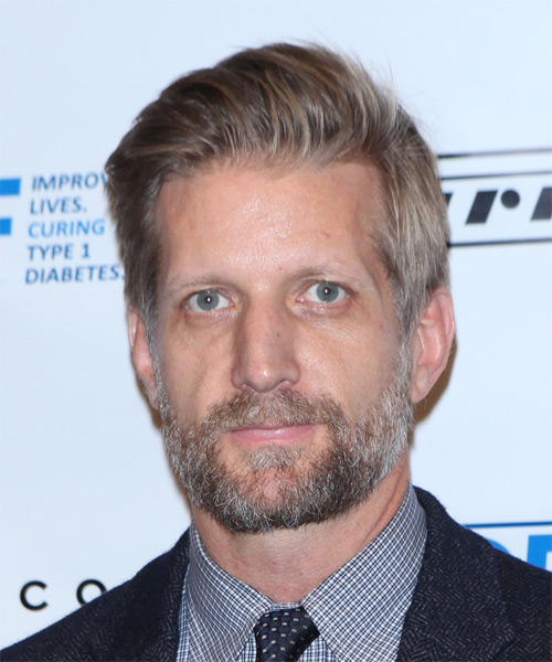 Paul Sparks Short Straight Casual Hairstyle - Medium Blonde Hair Color