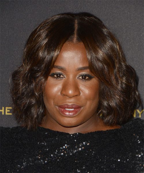 Uzo Aduba Medium Wavy Casual Hairstyle - Dark Brunette Hair Color