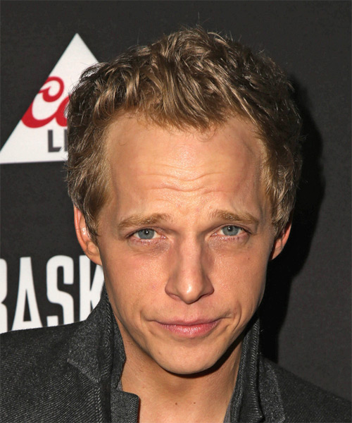 Chris Geere Short Wavy Casual Hairstyle