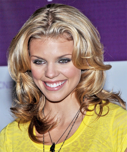 AnnaLynne McCord Long Wavy Formal Hairstyle