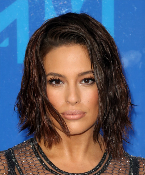 Ashley Graham Wavy Casual Bob