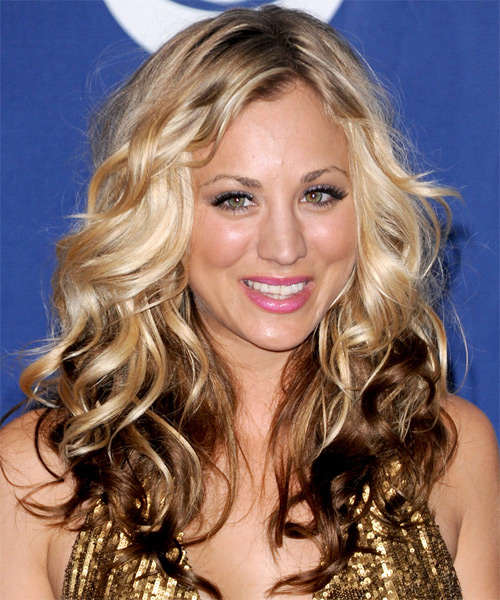 Kaley Cuoco - Casual Long Wavy Hairstyle