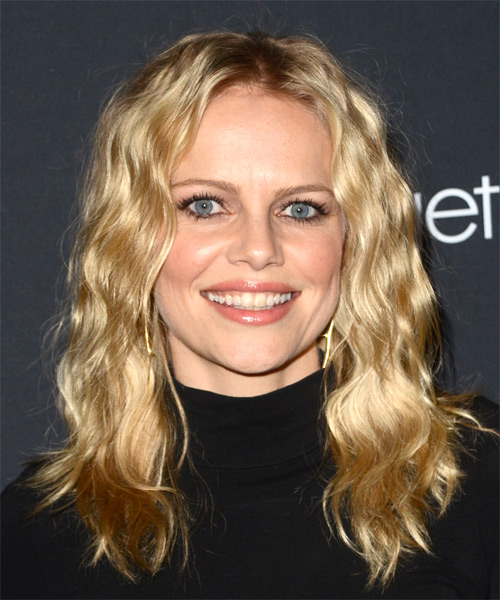Mircea Monroe Long Curly Casual Bob - Medium Blonde (Honey)