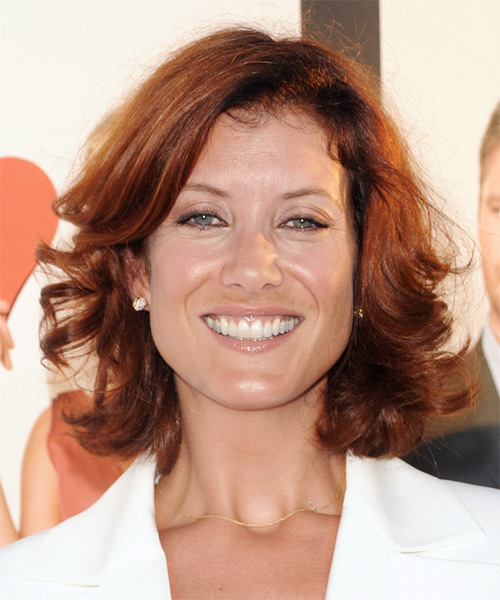 Kate Walsh Medium Wavy Casual Hairstyle