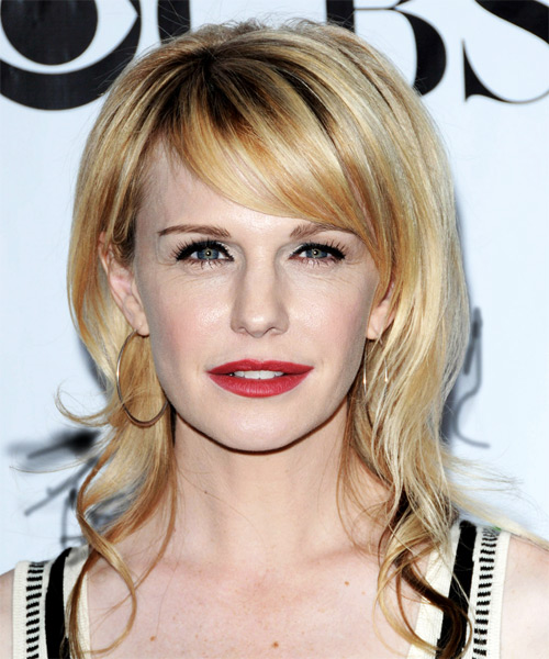 Kathryn Morris Hairstyle. Kathryn looked great with her golden locks left
