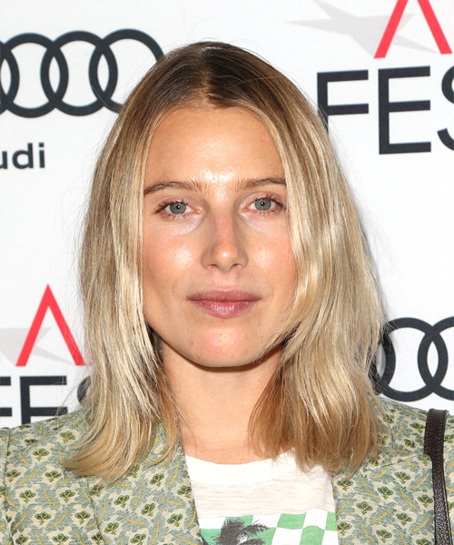 Dree Hemingway Medium Straight Casual Bob Hairstyle - Medium Blonde Hair Color
