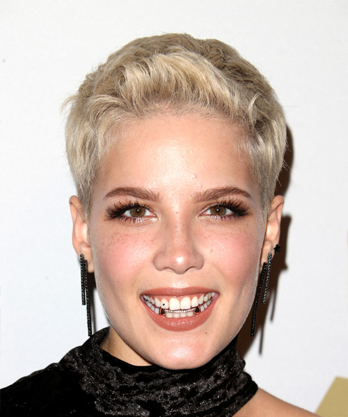 Halsey Short Straight Pixie Hairstyle - Light Blonde