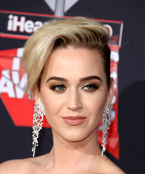 Katy Perry Short Straight Asymmetrical Hairstyle - Light Blonde