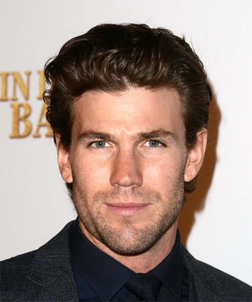 Austin Stowell Short Straight Hairstyle - Medium Brunette