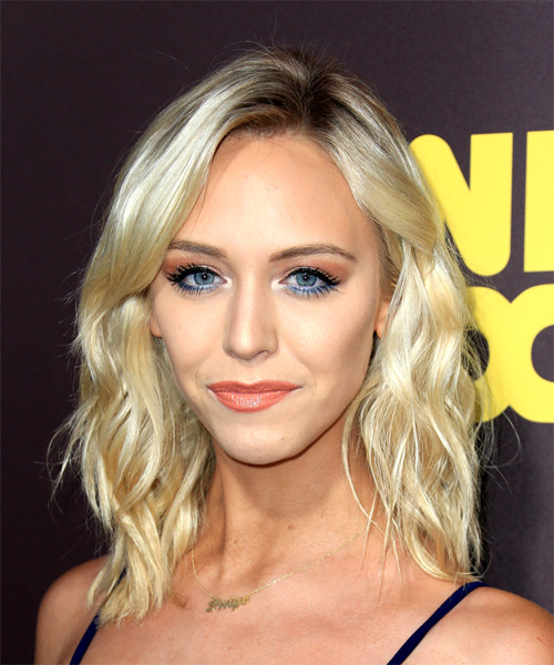 Paige Mobley Medium Wavy Casual Hairstyle - Light Blonde Hair Color