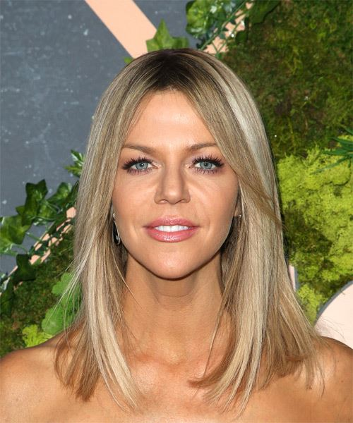 Kaitlin Olson Medium Straight Casual Bob Hairstyle Dark
