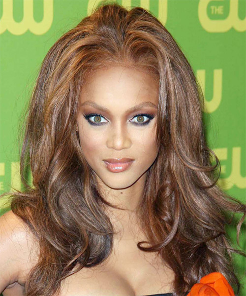Tyra Banks Short Straight Alternative Hairstyle