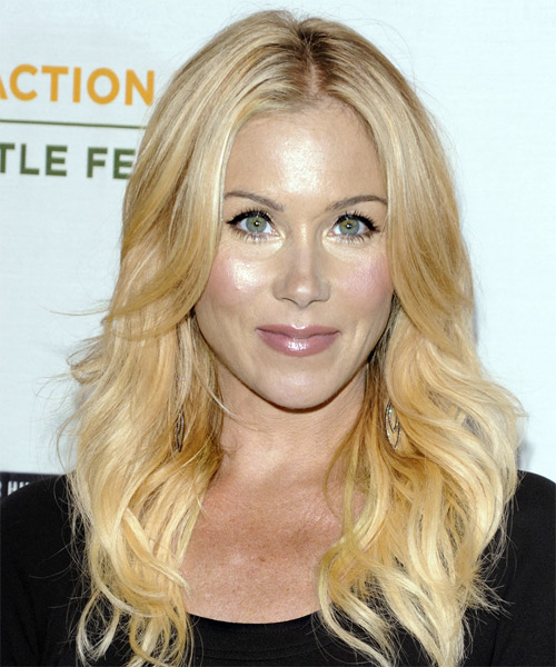 Christina Applegate Long Wavy Casual Hairstyle