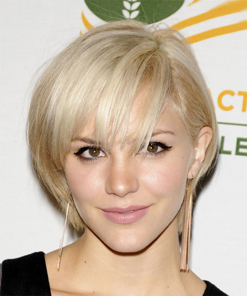 Katharine McPhee Short Straight Hairstyle