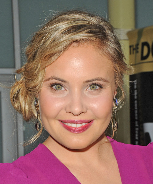 Leah Pipes Casual Curly Updo Hairstyle