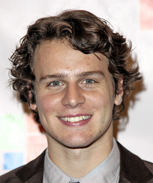 Jonathan Groff - Casual Medium Wavy Hairstyle