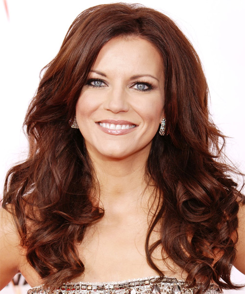 Martina McBride Long Wavy Hairstyle