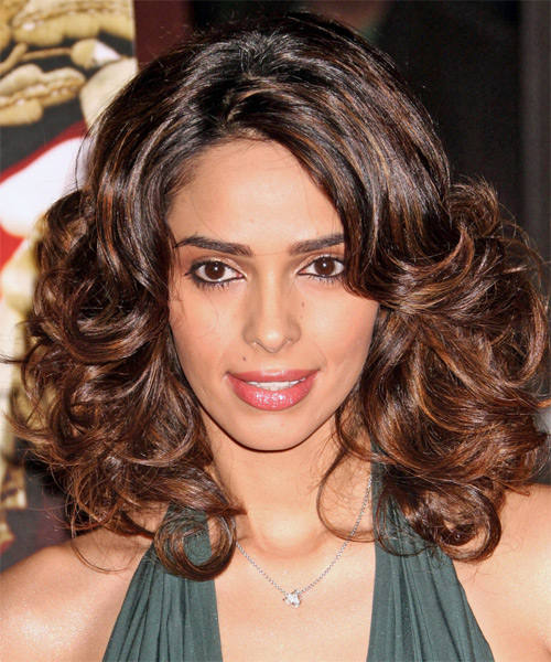Milika Sherawat Medium Curly Hairstyle