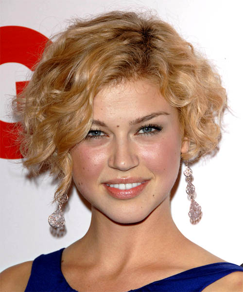 Adrianne Palicki - Casual Short Curly Hairstyle
