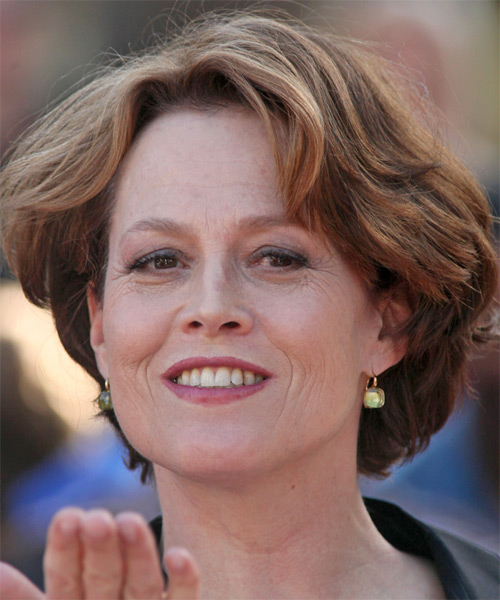 Sigourney Weaver Short Straight Hairstyle