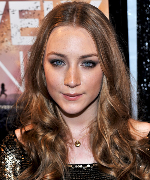 Saoirse Ronan - Casual Long Wavy Hairstyle