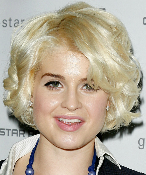 Kelly Osbourne Medium Wavy Hairstyle - Light Blonde