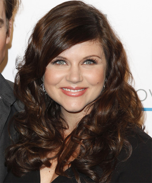 Tiffani Thiessen Long Curly Hairstyle