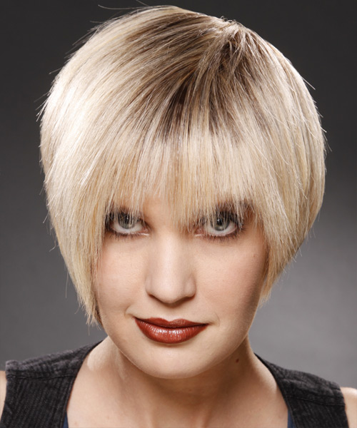 Short Straight Casual Hairstyle - Light Blonde (Champagne) Hair Color