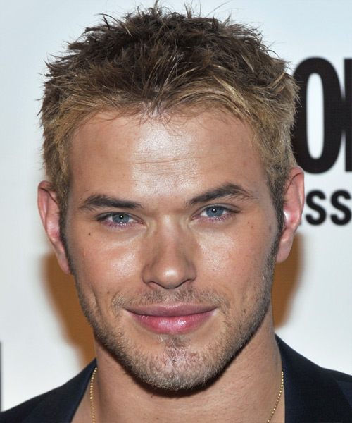 Kellan Lutz Short Straight Hairstyle - Dark Blonde (Ash)