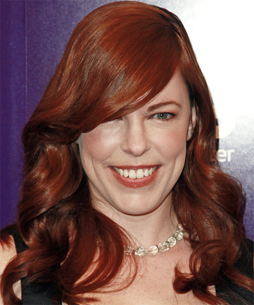 Amy Bruni Long Wavy Hairstyle