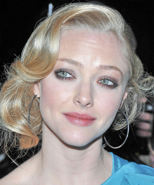 Amanda Seyfried Curly Formal Updo Hairstyle - Light Blonde (Honey) Hair Color