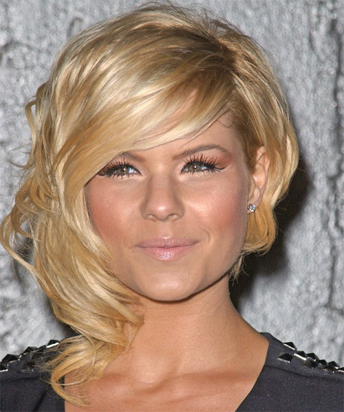 Kimberly Caldwell Short Wavy Alternative Hairstyle with Side Swept Bangs (Golden)