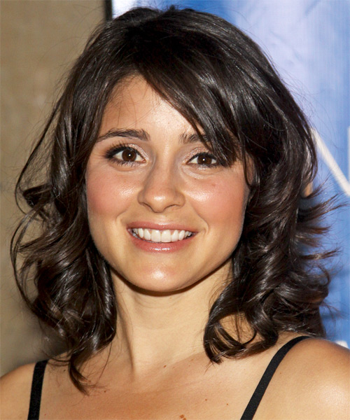 Shiri Appleby Medium Wavy Casual Hairstyle