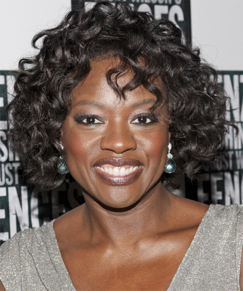 Viola Davis - Casual Medium Curly Hairstyle