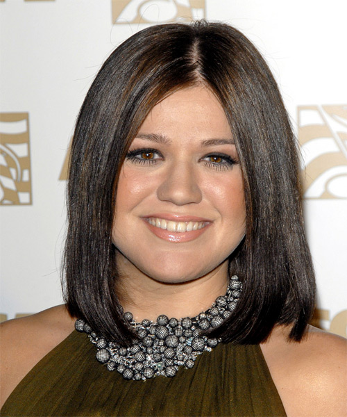 Kelly Clarkson Medium Straight Formal Bob with Blunt Cut Bangs