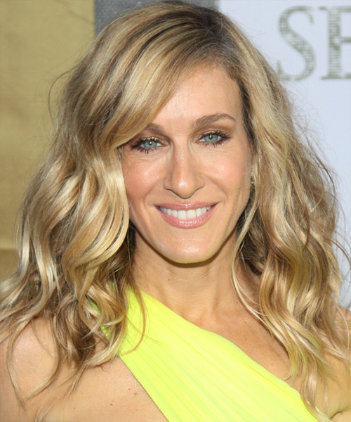 Sarah Jessica Parker Long Wavy Hairstyle